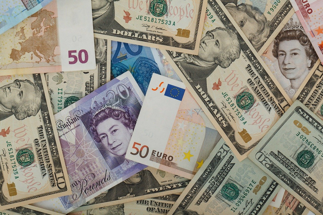 Currency Conversion and Foreign Transaction Fees: How Do They Work?