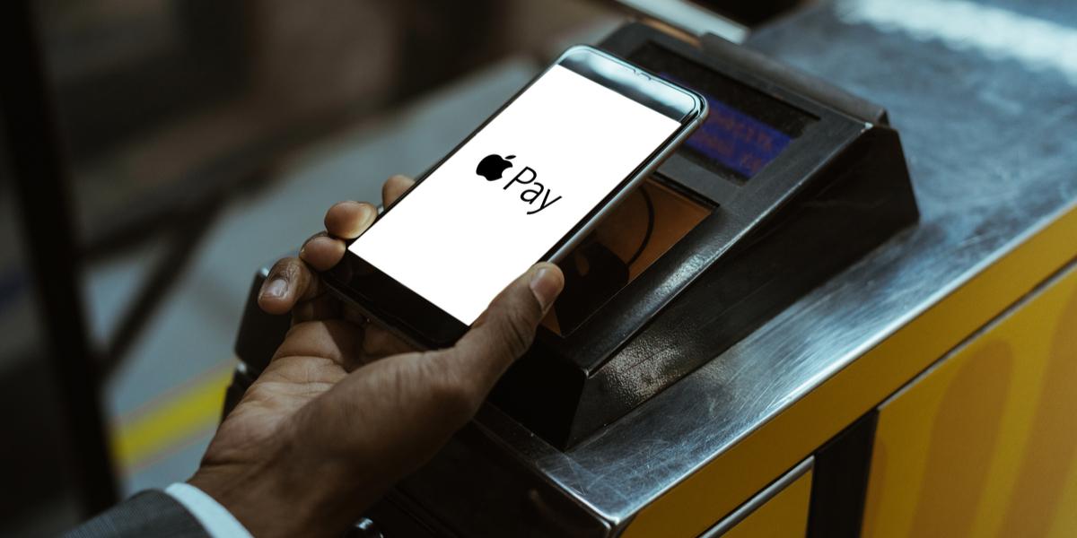apple pay app on phone